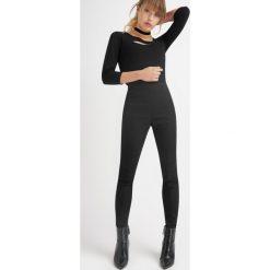Spodnie jegginsy z przeszyciami. Spodnie materiałowe damskie Orsay. W wyprzedaży za 30.00 zł.