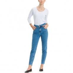 """Dżinsy """"Joyce"""" - Regular fit - w kolorze niebieskim. Niebieskie jeansy damskie Cross Jeans. W wyprzedaży za 127.95 zł."""
