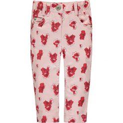 Spodnie w kolorze jasnoróżowo-czerwonym. Spodenki niemowlęce Steiff, w paski, z bawełny. W wyprzedaży za 92.95 zł.