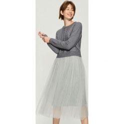 Sukienka z długimi rękawami - Jasny szar. Szare sukienki damskie Sinsay, z długim rękawem. Za 119.99 zł.