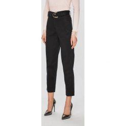 9762a732a9257 Guess Jeans - Spodnie - Jeansy damskie marki Guess Jeans. W ...
