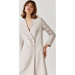 Simple - Płaszcz. Szare płaszcze damskie Simple, w paski, z elastanu. W wyprzedaży za 399.90 zł.