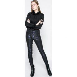 Vero Moda - Koszula Lilje. Szare koszule damskie Vero Moda, z poliesteru, casualowe, ze stójką, z długim rękawem. W wyprzedaży za 59.90 zł.