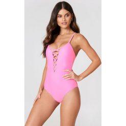 Hot Anatomy Kostium kąpielowy Perfect - Pink. Różowe kostiumy jednoczęściowe damskie Hot Anatomy. Za 202.95 zł.
