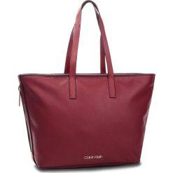 Torebka CALVIN KLEIN - Drive Shopper K60K604460 628. Czerwone torebki shopper damskie Calvin Klein, ze skóry ekologicznej. Za 699.00 zł.