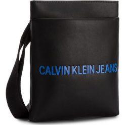 Saszetka CALVIN KLEIN JEANS - Smooth Flat Pack K40K400373 001. Czarne saszetki męskie Calvin Klein Jeans, z jeansu, młodzieżowe. Za 349.00 zł.