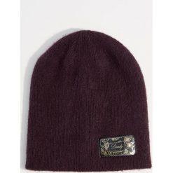 Czapka - Bordowy. Czerwone czapki i kapelusze damskie Mohito. Za 29.99 zł.