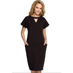 Sukienka ołówkowa ze stójką moe317. Czarne sukienki damskie MOE, z bawełny, ze stójką. Za 119.90 zł.