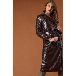 NA-KD Trend Lakierowana kurtka z paskiem - Brown. Brązowe kurtki damskie NA-KD Trend, w paski, z lakierowanej skóry. Za 364.95 zł.