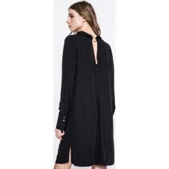 Answear - Sukienka UR Your Only Limit. Sukienki damskie ANSWEAR, z tkaniny, casualowe, z długim rękawem. W wyprzedaży za 89.90 zł.