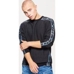 Bluza z taśmą - Czarny. Czarne bluzy męskie Cropp. Za 99.99 zł.