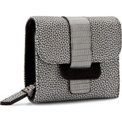 Duży Portfel Damski NOBO - NPUR-0410-C000 Czarny Kolorowy. Czarne portfele damskie Nobo, w kolorowe wzory, ze skóry ekologicznej. W wyprzedaży za 99.00 zł.