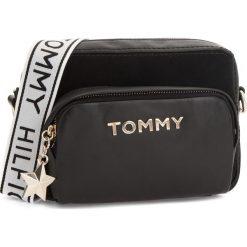 Torebka TOMMY HILFIGER - Corp Highlight Cross AW0AW05725 002. Czarne listonoszki damskie Tommy Hilfiger, ze skóry. Za 849.00 zł.