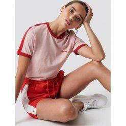 NA-KD T-shirt z haftem - Pink. Różowe t-shirty damskie NA-KD, z haftami, z jersey, z okrągłym kołnierzem. Za 80.95 zł.