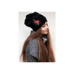 Czapka CHAPOOSIE BlackFur & Rose. Czarne czapki i kapelusze damskie Chapoosie. Za 125.10 zł.