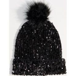 Czapka z cekinami - Czarny. Czarne czapki i kapelusze damskie Mohito. Za 49.99 zł.