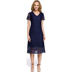 Sukienka z koronką moe275. Niebieskie sukienki damskie MOE, w koronkowe wzory, z koronki, wizytowe, z dekoltem w serek. Za 169.90 zł.