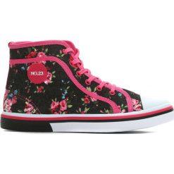 Czarne Trampki Floral Girl. Czarne buty sportowe dziewczęce Born2be, w kolorowe wzory. Za 49.99 zł.