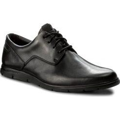 Półbuty CLARKS - Vennor Walk 261317487 Black Leather. Czarne półbuty na co dzień męskie Clarks, z materiału. W wyprzedaży za 279.00 zł.