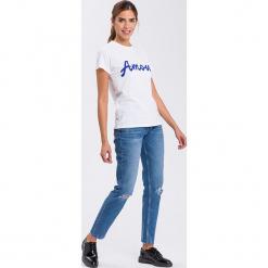 """Dżinsy """"Gwen"""" - Loose fit - w kolorze niebieskim. Niebieskie jeansy damskie Cross Jeans. W wyprzedaży za 113.95 zł."""