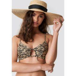 NA-KD Swimwear Góra bikini z wiązaniem z przodu - Beige. Brązowe bikini damskie NA-KD Swimwear, z haftami. Za 19.95 zł.