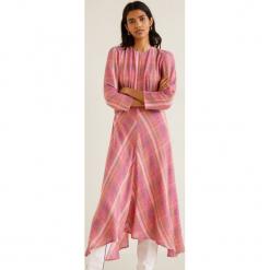 Mango - Sukienka Willy. Różowe sukienki damskie Mango, z tkaniny, casualowe, z okrągłym kołnierzem. Za 229.90 zł.