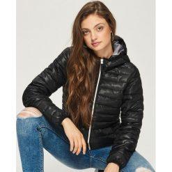 04ee4473b32cc4 Pikowana kurtka z kapturem - Czarny. Czarne kurtki damskie Sinsay, l, bez  wzorów