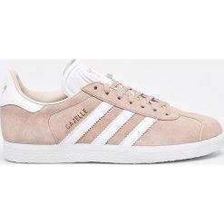 Adidas Originals - Buty Gazelle W. Szare obuwie sportowe damskie adidas Originals, z materiału. W wyprzedaży za 349.90 zł.