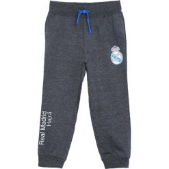 Ciemnoszare Spodnie Dresowe I'm Okay. Szare spodnie sportowe dla chłopców Born2be, z dresówki. Za 39.99 zł.
