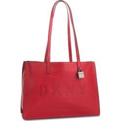 Torebka DKNY - Commuter-Lg Tz Tote R83AA666  Rouge RGE. Czerwone torebki do ręki damskie DKNY, ze skóry. Za 1,199.00 zł.