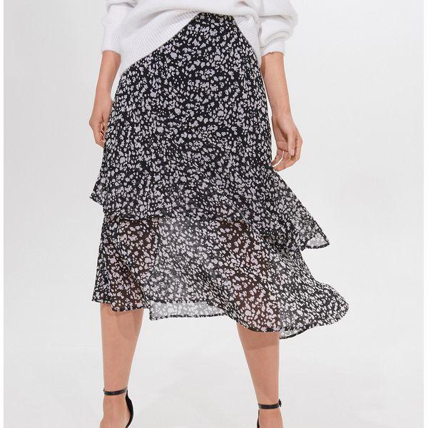 Trapezowa spódnica w kwiaty Mohito Spódnice damskie czarne