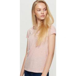 Gładka koszulka - Różowy. Czerwone t-shirty damskie Cropp. Za 19.99 zł.