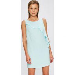 Answear - Sukienka Garden of Dreams. Sukienki damskie ANSWEAR, z poliesteru, casualowe, z okrągłym kołnierzem. W wyprzedaży za 89.90 zł.