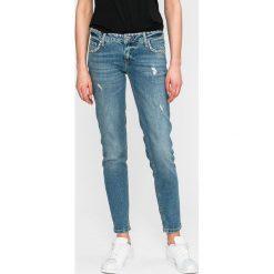 Guess Jeans - Jeansy. Niebieskie jeansy damskie Guess Jeans. W wyprzedaży za 429.90 zł.