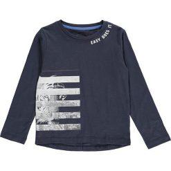 Koszulka w kolorze granatowym. T-shirty dla chłopców marki Reserved. W wyprzedaży za 32.95 zł.