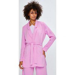 Answear - Żakiet Violet Kiss. Różowe żakiety damskie ANSWEAR, casualowe. W wyprzedaży za 169.90 zł.