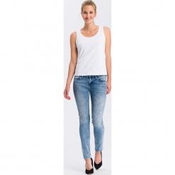 """Dżinsy """"Adriana"""" - Skinny fit - w kolorze błękitnym. Niebieskie jeansy damskie Cross Jeans. W wyprzedaży za 136.95 zł."""