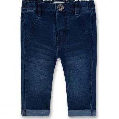 Dżinsy w kolorze granatowym. Jeansy dla chłopców marki Reserved. W wyprzedaży za 72.95 zł.