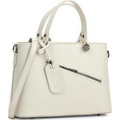 Torebka CREOLE - K10222 Kremowy. Białe torebki do ręki damskie Creole, ze skóry. W wyprzedaży za 209.00 zł.