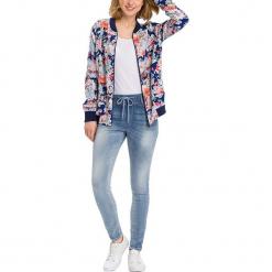"""Jegginsy """"Janelle"""" - Regular Fit - w kolorze błękitnym. Niebieskie legginsy damskie Cross Jeans, w paski. W wyprzedaży za 127.95 zł."""