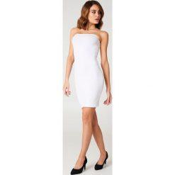 NA-KD Basic Sukienka bandeau basic - White. Sukienki damskie NA-KD Basic. Za 60.95 zł.