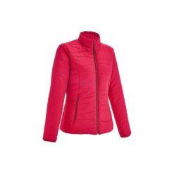 Kurtka turystyczna zimowa Arpenaz 600 damska. Czerwone kurtki damskie QUECHUA, na zimę, z materiału. Za 59.99 zł.