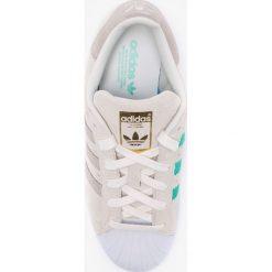 Adidas Originals - Buty Superstar W. Szare obuwie sportowe damskie adidas Originals, z materiału. W wyprzedaży za 319.90 zł.