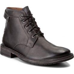 Kozaki CLARKS - Clarkdale Bud 261277767 Black Leather. Czarne kozaki męskie Clarks, z materiału, eleganckie. W wyprzedaży za 409.00 zł.