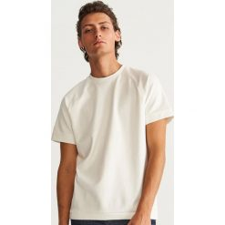 T-shirt - Kremowy. T-shirty męskie marki Giacomo Conti. W wyprzedaży za 39.99 zł.