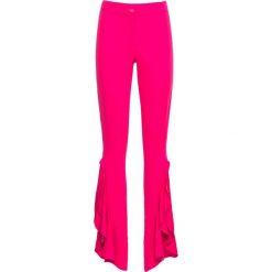 Spodnie z falbaną bonprix różowy. Czerwone spodnie materiałowe damskie bonprix. Za 49.99 zł.