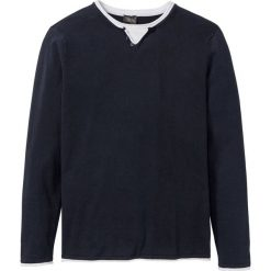 Sweter w optyce 2 w 1 bonprix ciemnoniebieski. Swetry przez głowę męskie marki Giacomo Conti. Za 74.99 zł.