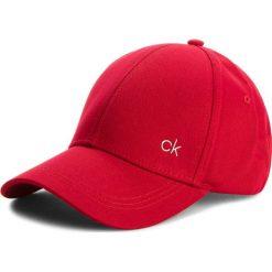 Czapka CALVIN KLEIN - Ck Metallic Baseball K40K400185 627. Czerwone czapki i kapelusze damskie Calvin Klein. Za 129.00 zł.