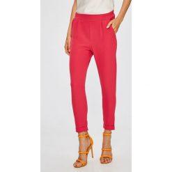 Answear - Spodnie. Szare spodnie materiałowe damskie ANSWEAR, z elastanu. W wyprzedaży za 59.90 zł.