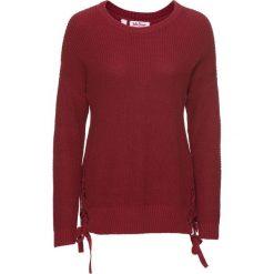 Sweter ze sznurowaniem bonprix pomarańczowo-czerwony. Swetry damskie marki bonprix. Za 89.99 zł.